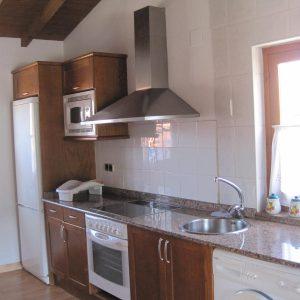 vista de cocina con electrodomésticos